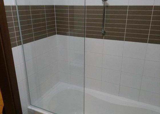 Skleněná zástěna do koupelny