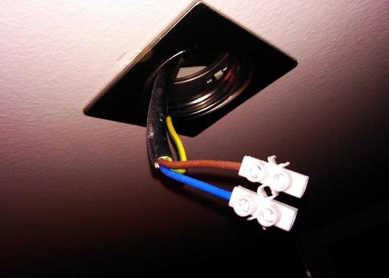 Bodové osvětlení - oprava