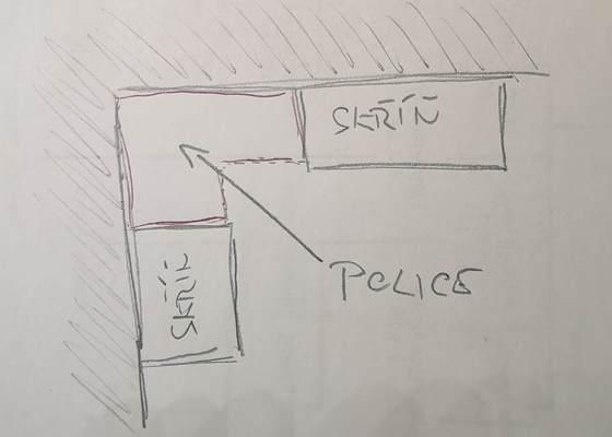 Vyrobit a nainstalovat dvě police