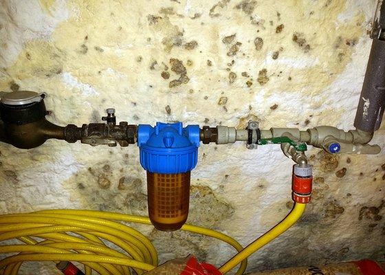 Pojistný ventil k bojleru a redukční ventil tlaku vody