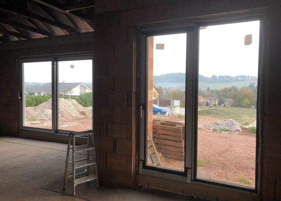 Plastová okna a vchodové dveře do novostavby RD