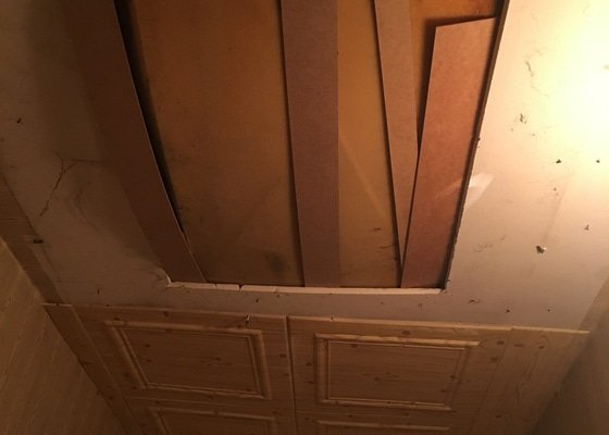 Uzavření výřezu v sádrokartonu ve stropě zatepleným uzávěrem