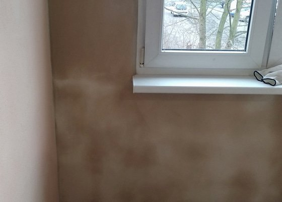 Malba pokojů (2) s opravou štuku (2-3m2) a obnova ostění u 2 oken