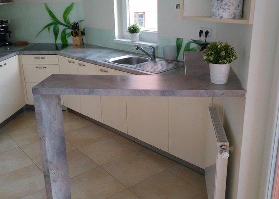 Výměna kuchyňské desky a oblkadu