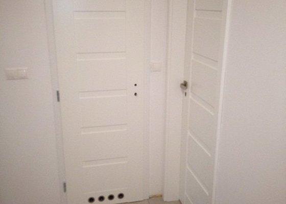 Montáž 8ks interiérových dveří vč. obložek a kování