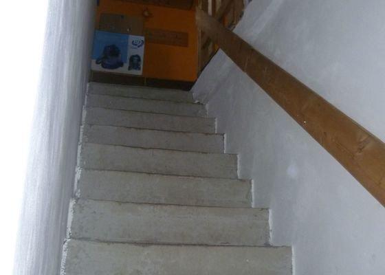 Pokládka dlažby na schodiště