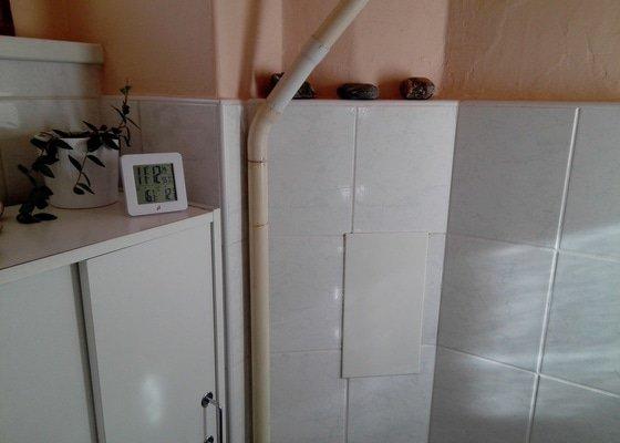 WC výměna mísy a nádržky.