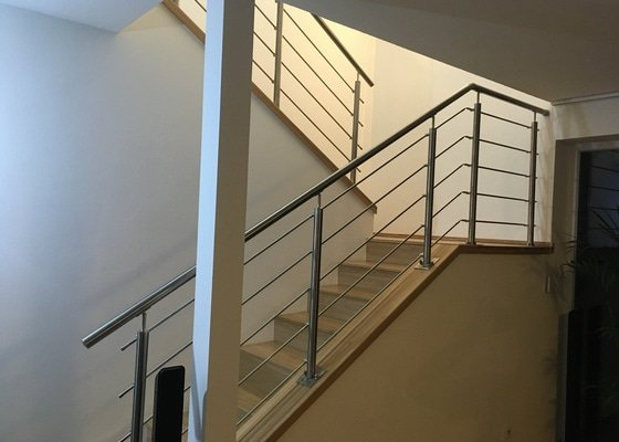 Nerezové schody
