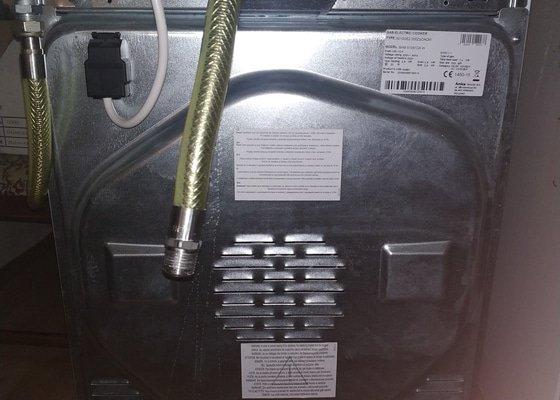 Výměna plynové trouby