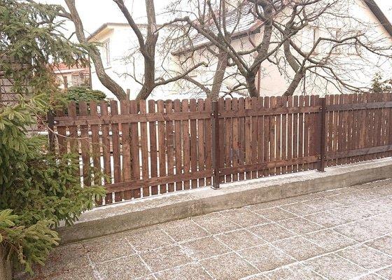 Oprava části plotu a podezdění venkovního schodiště