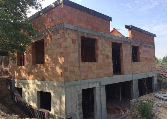 Stavba podsklepeného RD