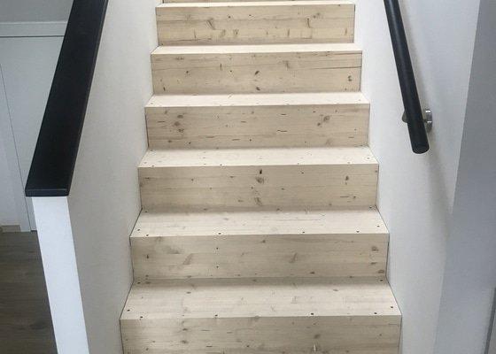 Položení plovoucí podlahy na schody