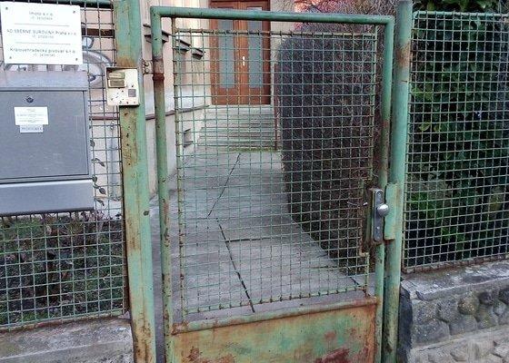 Oprava kovové vchodové branky a vjezdových vrat