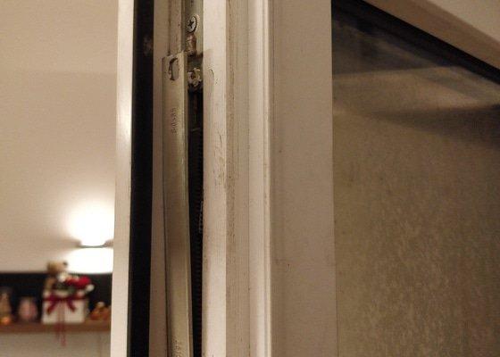 Oprava kování plastových balkónových dveří