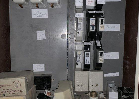Rekontrukce elektrického rozvaděče - firemní poptávka