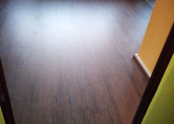 Vyrovnaní podkladu ,pokládka plovoucí podlahy