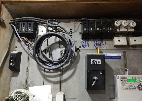 Vymena elektricke skrinky (pojistkove skrine) v dome