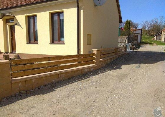 Stavba plotu a podezdivky