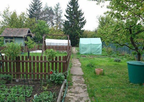 Stavba plotu v zahradě - RD Brno Židenice