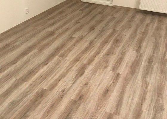 Rekonstrukce obývacího pokoje plus kuchyně.