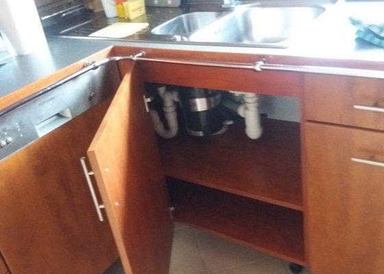 Rekonstrukce odpadů pod kuchyňskou linkou