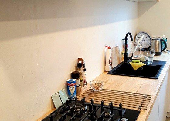 Dřevo, nábytek, kuchyně, pracovní desky z masivu