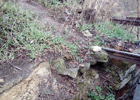 Uprava venkovnich kovovych schodu