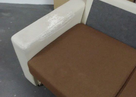 Přečalounit opěrky u sedačky + zřejmě prasklé péro