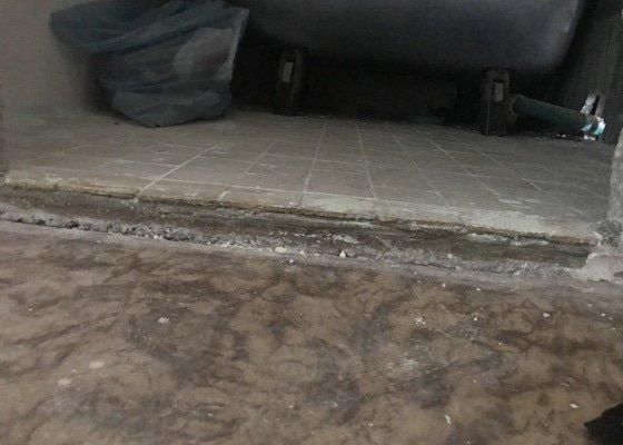 Vyříznutí železobetonové podlahy 1,6 x 0,3 x 0,05 m v Liberci