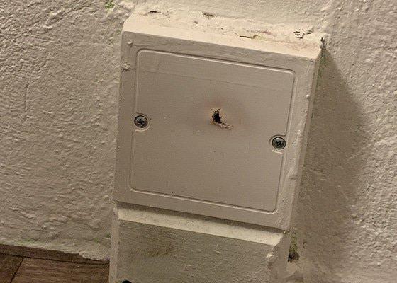 Vymena zasuvek, instalace svetla.