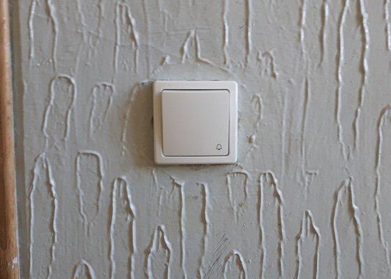 Digitální domovní zvonky, čipový systém, samozamykací zámky, kamery, led osvětlení.