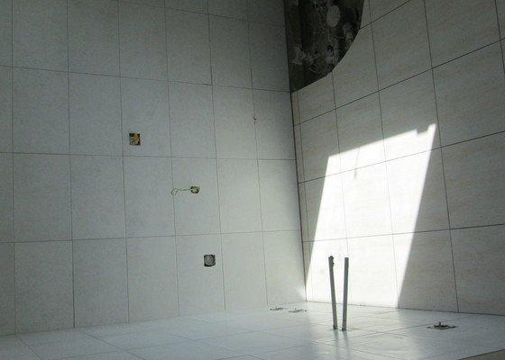 Realizace keram. obkladů koupelny a WC v novostavně RD