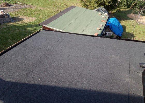 Rekonstrukce střechy.