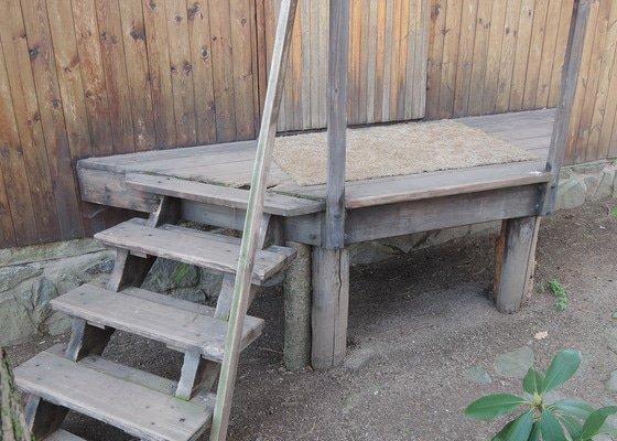 Oprava venkovních schůdků a zádveří u chaty