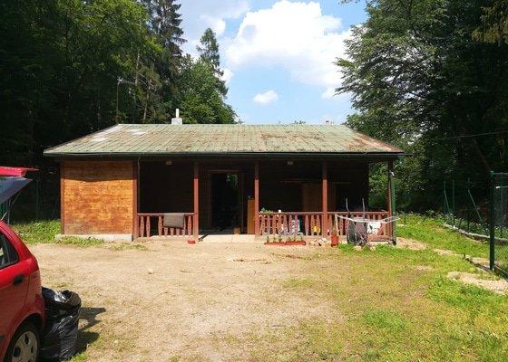 Natřít plechovou střechu s malým sklonem