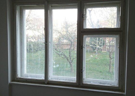 Lakování dřevěných oken a dveří