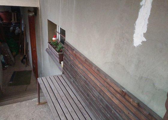 Dlažba u vjezdu do garáže a na balkoně