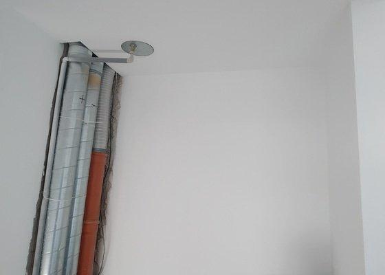 Vestavná skříň na chodbu se šoupacími dveřmi