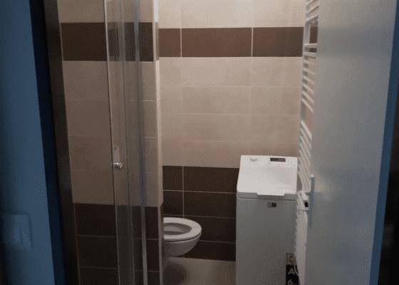 Kompletní rekonstrukce koupelny - bytového jádra v bytě 1+1 v panelovém domě