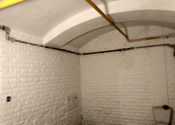 Rekonstrukce sklepa menšího bytového domu Praha 7