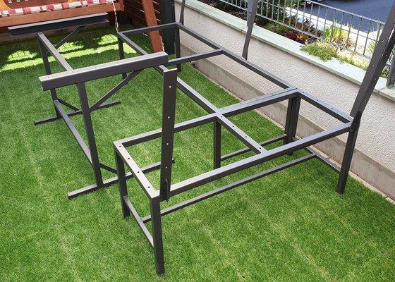 Výroba kovové konstrukce na lavici a stůl