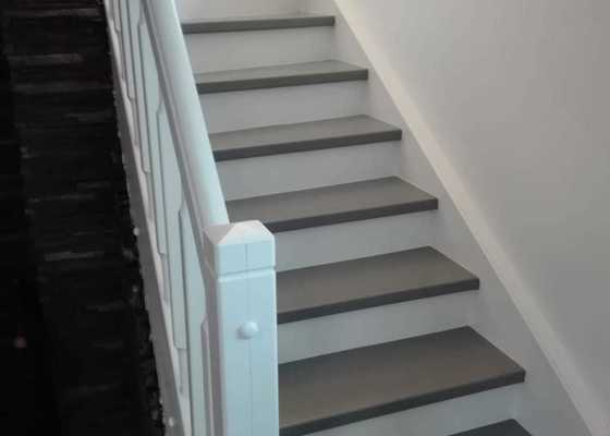 Rekonstrukce schodů z masivu