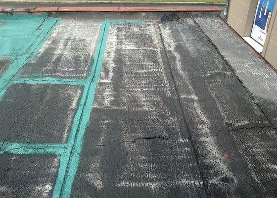 Oprava/výměna lepenky u řadové garáže 22 m2