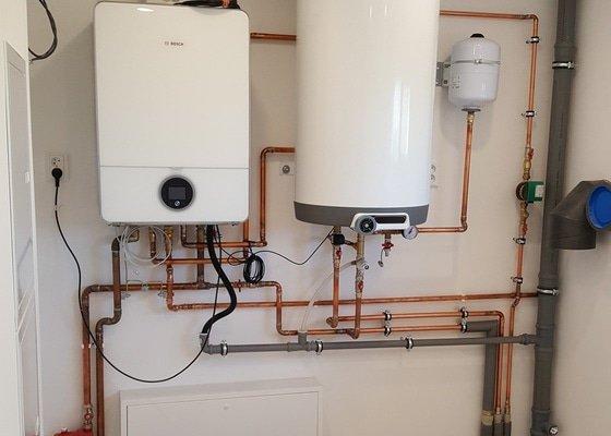 Provedení rozvodů vody, kanalizace, plynu a topení rodinného domu