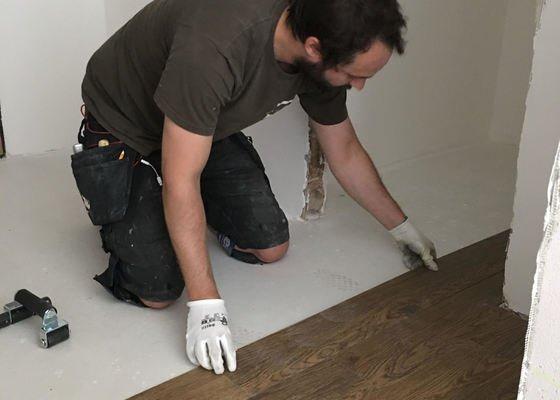 Dodání a lepení vinylové podlahy Comfort floors
