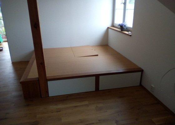 Relaxační podium - dřevěné (dub)