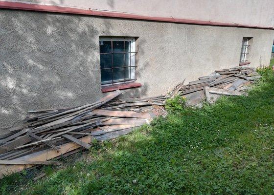 Odvoz odpadu (lakované dřevo, železo, keramika)