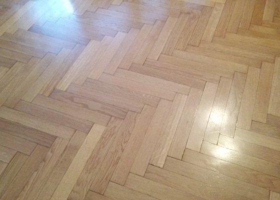 Renovace parketove podlahy