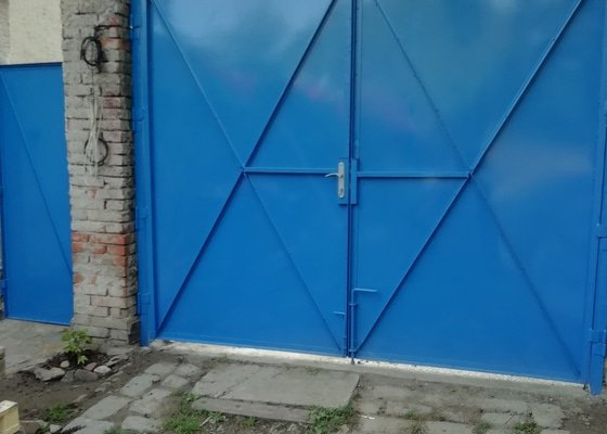Plechová vrata dvoukridla