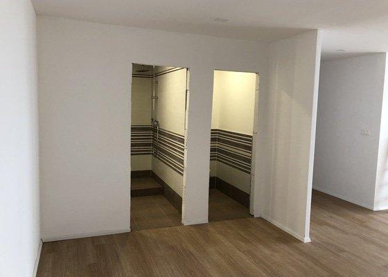 Rekonsktrukce  bytu, 55m včetně přístavby chodby